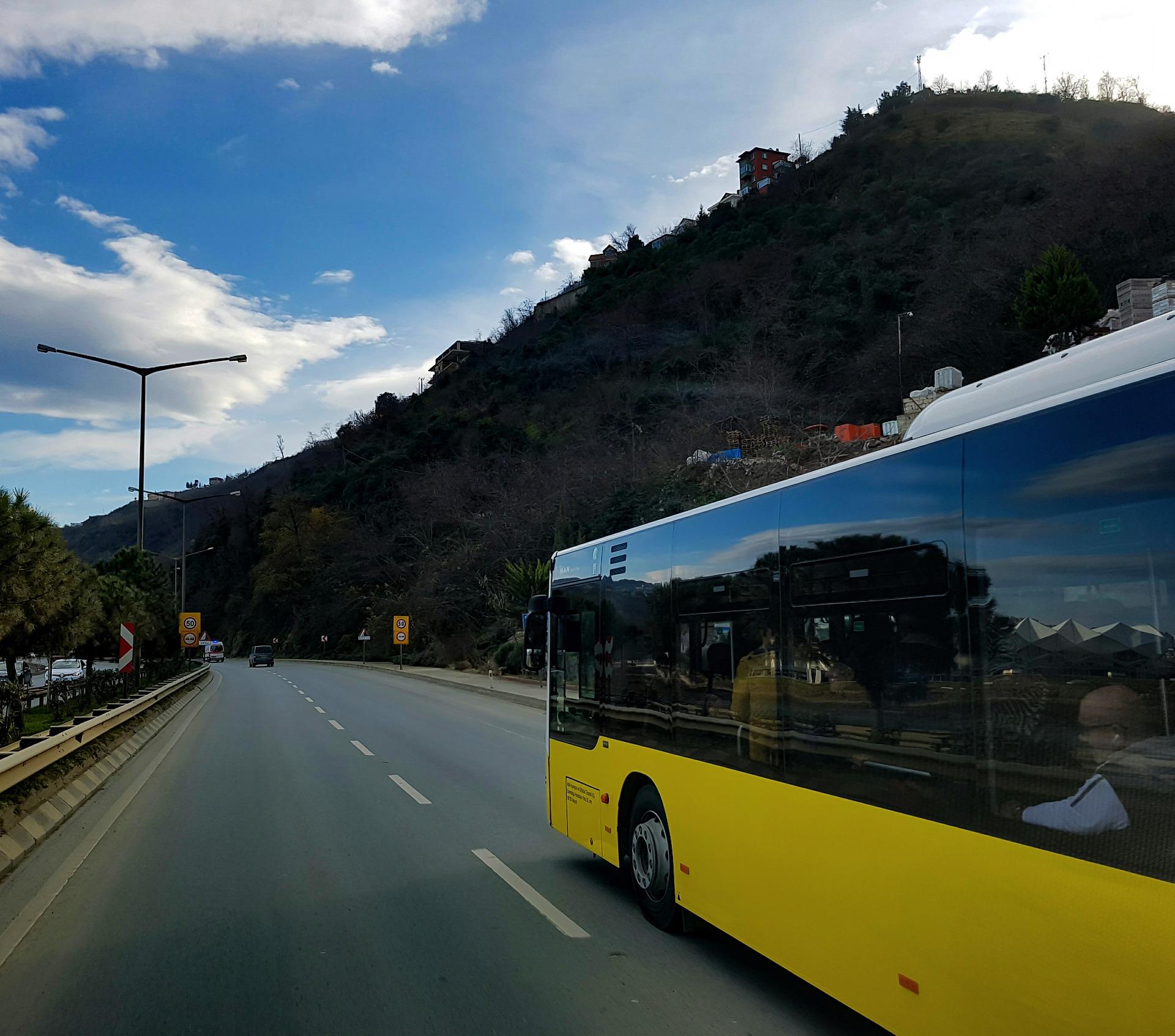Luxusními autobusy pohodlně a rychle