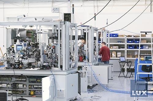 Automatizace a robotizace montážních linek zvyšují efektivitu, přesnost i kvalitu